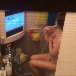 美女のテレビを見ながらの入浴 乙女の風呂場 Vol.21 盗撮 | 細身  61画像
